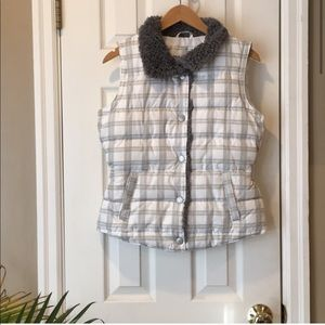 Cozy, NWT white and gray puffer vest